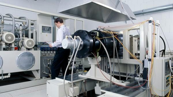 Zakres świadczonych przez nas usług oprócz projektowania i produkcji opisanych produktów obejmuje również badania stanowiskowe oraz testy wstępne, a także diagnostykę i remonty łożysk wysokiej jakości.